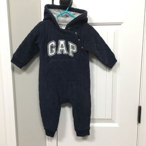 Baby Gap boy's 6 - 12 months zip up bunting